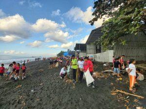 beach-clean-up-bali